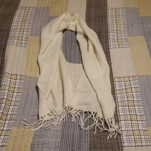 Jaclyn Smith scarf
